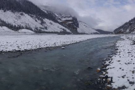 Winter field work in fluvial geomorphology: river confluence dynamics